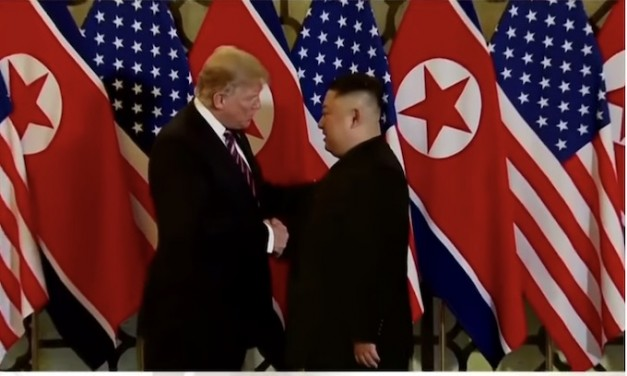 Summit reality: Two leaders, 3,000 journalists