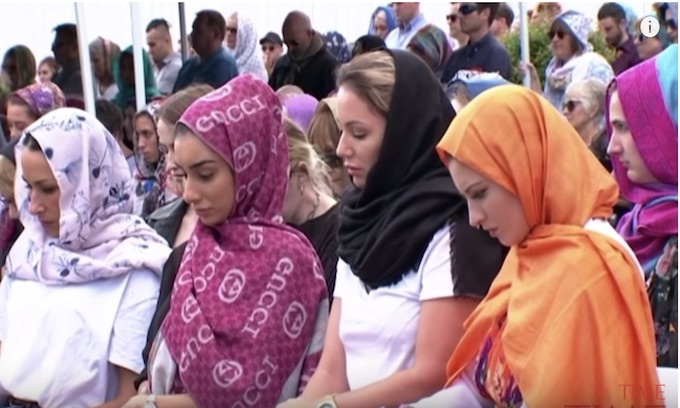 New Zealanders don headscarves in solidarity with Muslim community