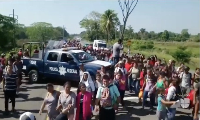 8,800 migrants in south of Mexico; town of Huixtla worried about safety