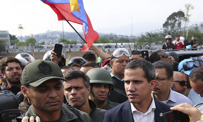 Venezuela: Maduro struggles to hold power as Guaido calls for more action