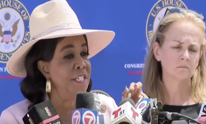 Rep. Frederica Wilson wants you prosecuted if you tell a joke about her online