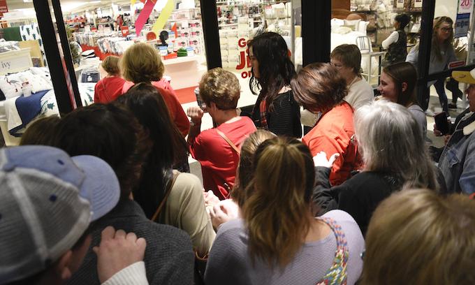 Black Friday: 165 million shoppers and $730 billion
