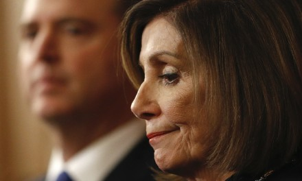 Pelosi impeachment delay spurs GOP effort to dismiss charges