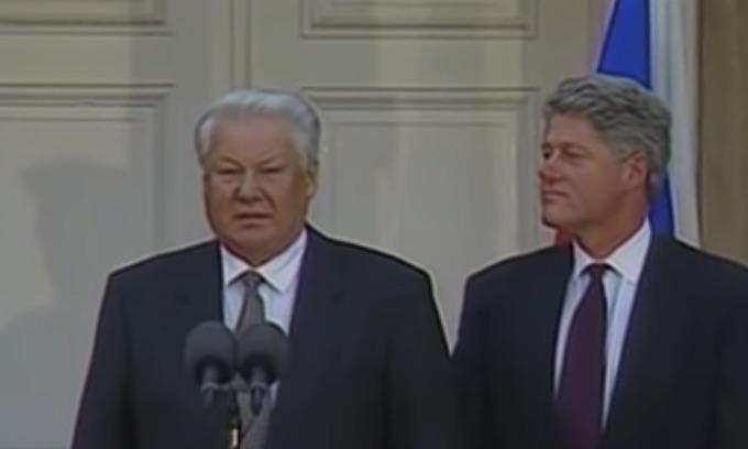 Bill Clinton-Boris Yeltsin 'Chicken Summit' exposes Democrats' impeachment double standard