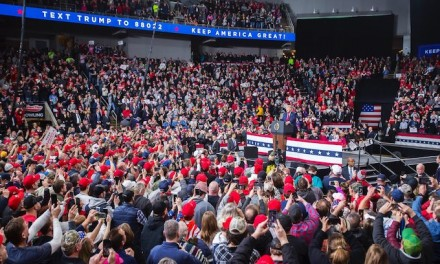 Trump rallies with 8,000 in Toledo