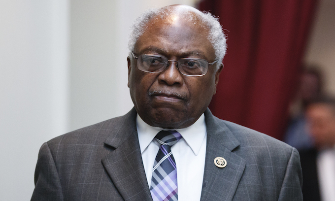 Pelosi appoints Clyburn to lead House panel investigating 'waste and fraud' in coronavirus crisis