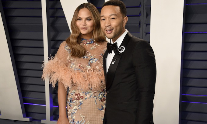 Mean Girl Christine Teigen Lashes Out With Bizarre Hate-Screed Against 'Wifebot' Melania Trump