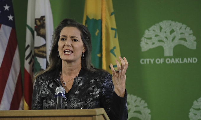 Hate Crime: 'Nooses' in trees were a black man's exercise aids; Oakland mayor said intentions don't matter