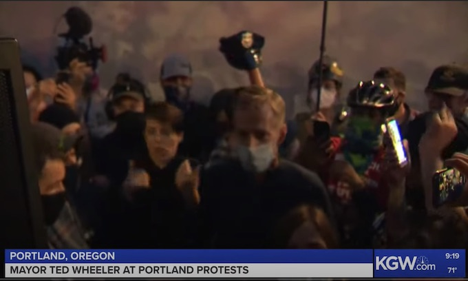Federal judge slaps down Oregon AG: Denies motion to restrict federal police actions