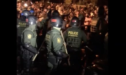 Hundreds of agitators interfere with ICE arrests of illegal aliens in Bend, OR