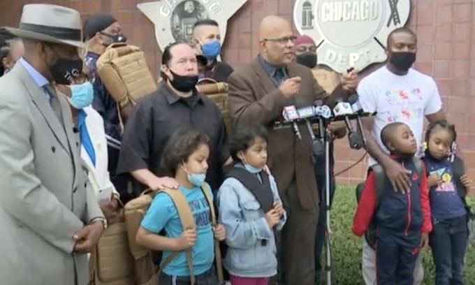 Bulletproof backpacks for children in Chicago