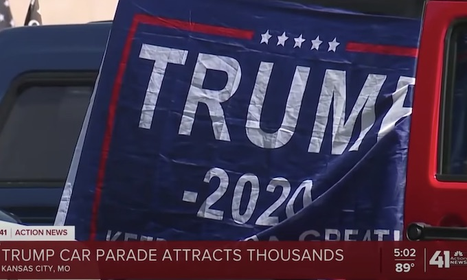 America:  Hundreds turn out for Trump car parade in Kansas City