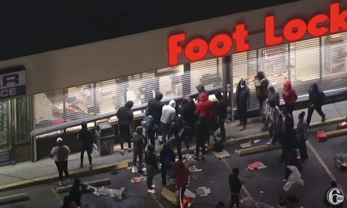 Night of 1000 Looters: Philadelphia rocked by second night of rioting after fatal police shooting
