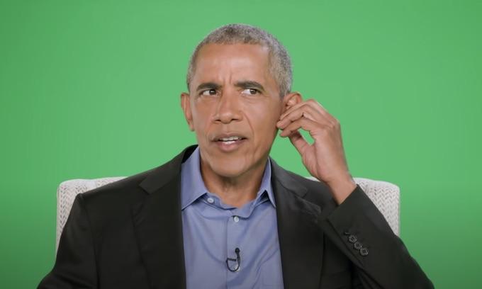 Obama laments media's diminishing importance