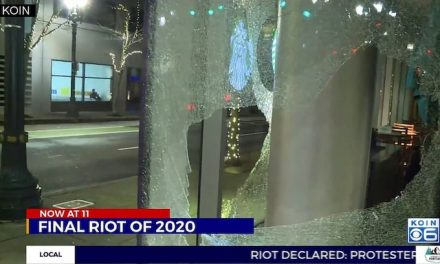 Democrat Portland celebrates New Year with a riot