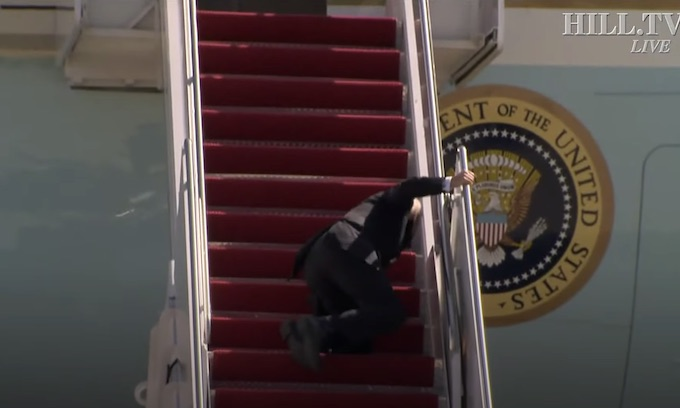Biden trips three times, falls up the stairs while boarding Air Force One