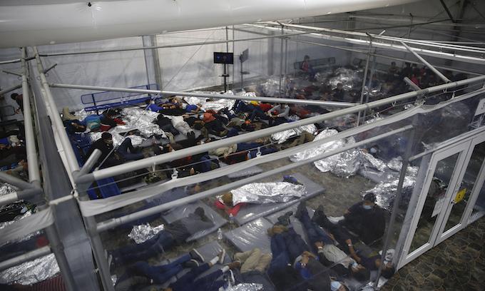 Following Abbott order, Texas revokes licenses for unaccompanied migrant children's shelters