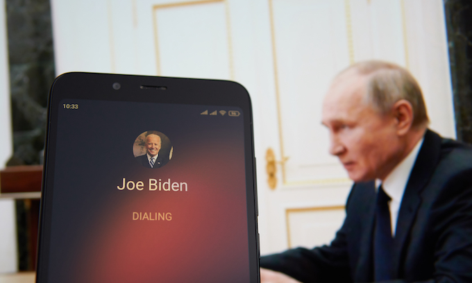 Biden declares national emergency at Ukraine-Russia border — but calls back US warships