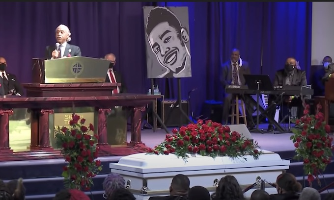 Sharpton decries 'stench of racism' in Daunte Wright's death