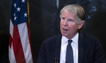 NYC DA convenes grand jury to weigh evidence against Trump