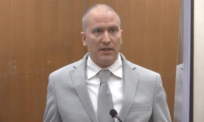 Derek Chauvin sentenced to 221/2 years for murder in death of George Floyd