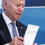 President Biden handed note telling him to wipe his chin