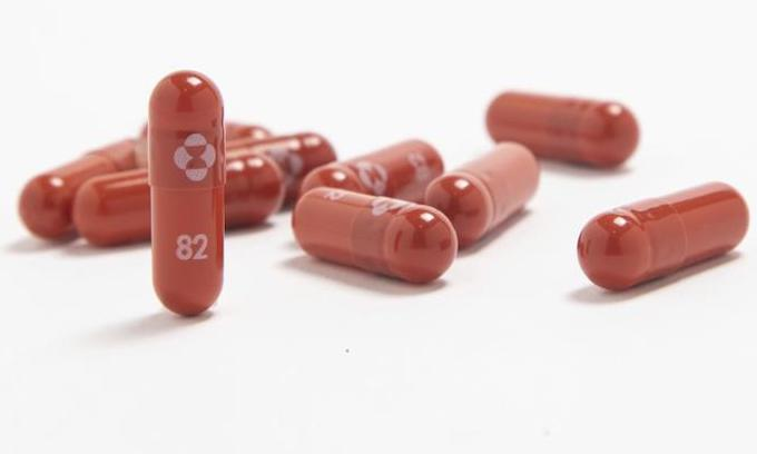 Merck says COVID-19 pill cuts risk of death, hospitalization